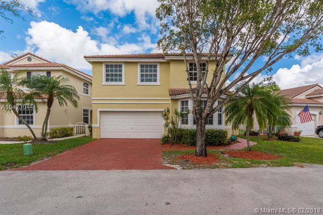 15221 SW 49th St, Davie, FL 33331 (MLS #A10423044) :: Stanley Rosen Group