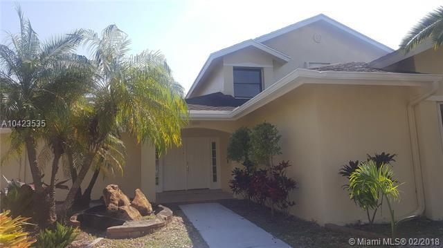 311 NW 201st Ave, Pembroke Pines, FL 33029 (MLS #A10423535) :: Stanley Rosen Group