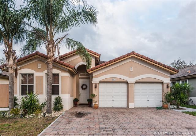 8951 SW 152nd Ct, Miami, FL 33196 (MLS #A10423916) :: Albert Garcia Team