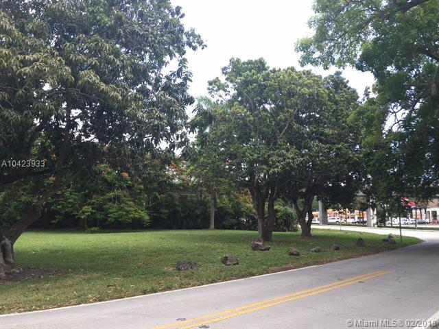 6540 Manor Ln, South Miami, FL 33143 (MLS #A10423933) :: Albert Garcia Team