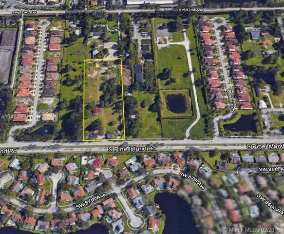 5242 S Pine Island Rd, Davie, FL 33328 (MLS #A10423959) :: Stanley Rosen Group