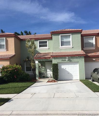 15121 NW 8th St #15121, Pembroke Pines, FL 33028 (MLS #A10424015) :: Stanley Rosen Group