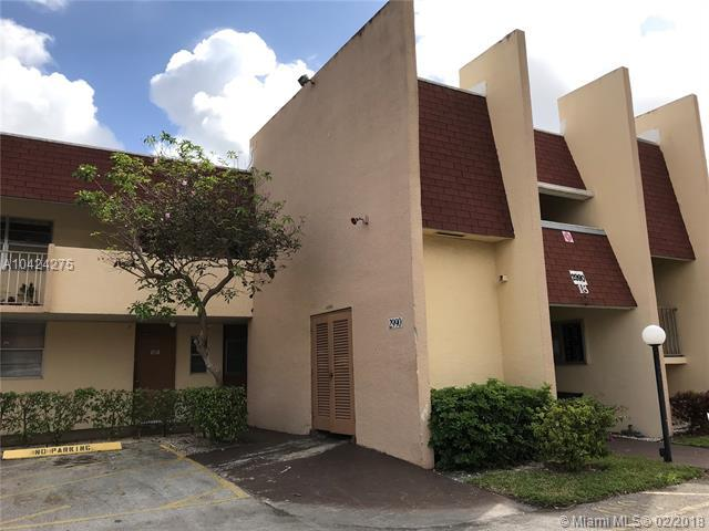 2990 NW 46th Ave 113C, Lauderdale Lakes, FL 33313 (MLS #A10424275) :: Stanley Rosen Group