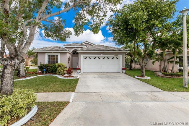 17683 SW 9th St, Pembroke Pines, FL 33029 (MLS #A10424581) :: The Teri Arbogast Team at Keller Williams Partners SW