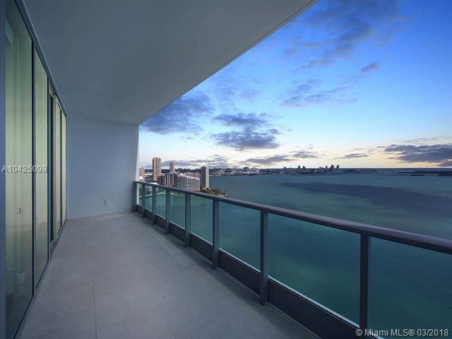 1331 Brickell Bay Drive #2905, Miami, FL 33131 (MLS #A10425098) :: The Teri Arbogast Team at Keller Williams Partners SW
