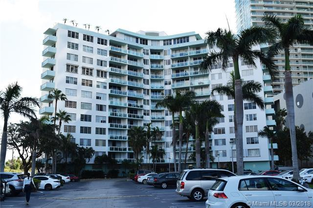 3301 NE 5th Ave #307, Miami, FL 33137 (MLS #A10427317) :: The Erice Group