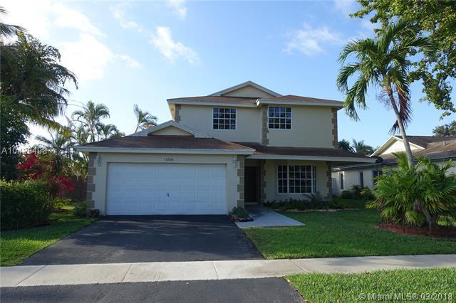 16926 Royal Poinciana Dr, Weston, FL 33326 (MLS #A10428498) :: Green Realty Properties