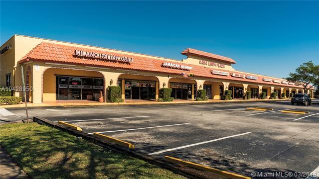 8741 NW 57th St, Tamarac, FL 33351 (MLS #A10428950) :: Stanley Rosen Group