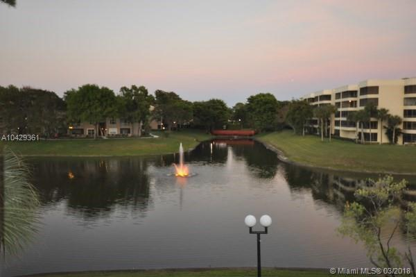 1865 Palm Cove Blvd 9-205, Delray Beach, FL 33445 (MLS #A10429361) :: Green Realty Properties