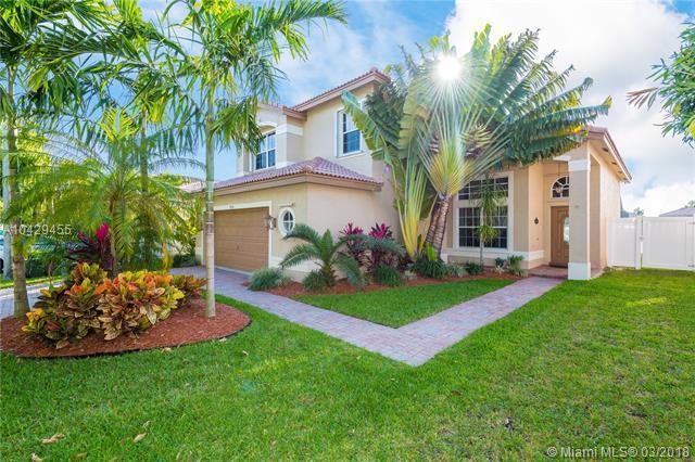 18024 SW 33rd Ct, Miramar, FL 33029 (MLS #A10429455) :: Stanley Rosen Group