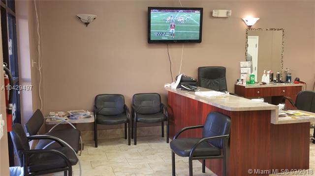 140 N Congress Ave, Boynton Beach, FL 33426 (MLS #A10429497) :: Green Realty Properties