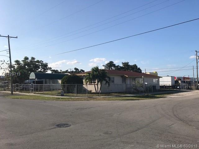 2511 NW 35th St, Miami, FL 33142 (MLS #A10429713) :: Grove Properties