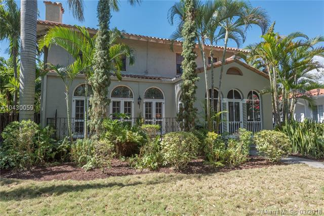 5978 NE 6th Ct, Miami, FL 33137 (MLS #A10430059) :: The Teri Arbogast Team at Keller Williams Partners SW