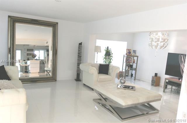 7530 Venetian St, Miramar, FL 33023 (MLS #A10430981) :: Green Realty Properties