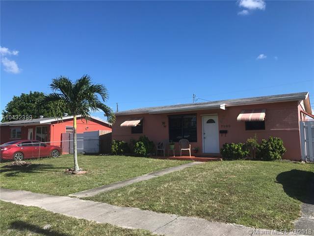 7390 Arthur St, Hollywood, FL 33024 (MLS #A10432389) :: Live Work Play Miami Group
