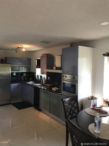 333 NE 19th Ave #401, Deerfield Beach, FL 33441 (MLS #A10432417) :: Stanley Rosen Group