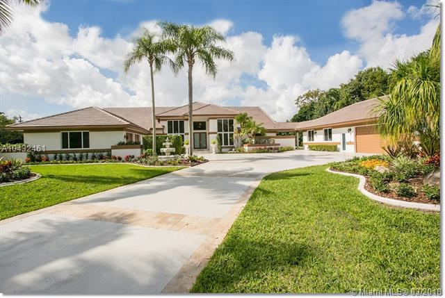 7705 Andes Ln, Parkland, FL 33067 (MLS #A10432461) :: The Teri Arbogast Team at Keller Williams Partners SW