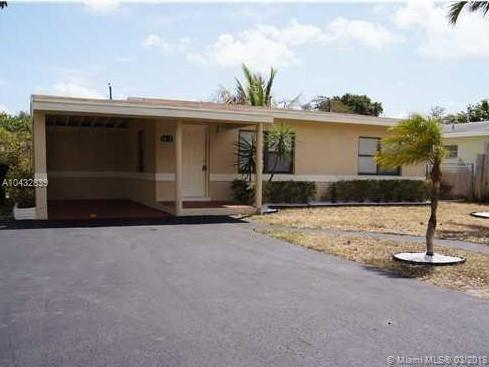 1028 NW 7th Ter, Fort Lauderdale, FL 33311 (MLS #A10432839) :: The Teri Arbogast Team at Keller Williams Partners SW