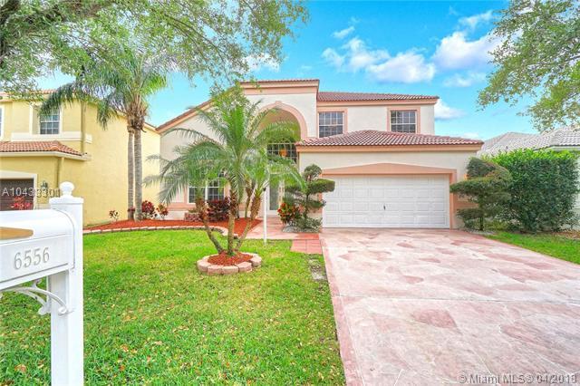 6556 NW 78th Dr, Parkland, FL 33067 (MLS #A10433301) :: Jamie Seneca & Associates Real Estate Team
