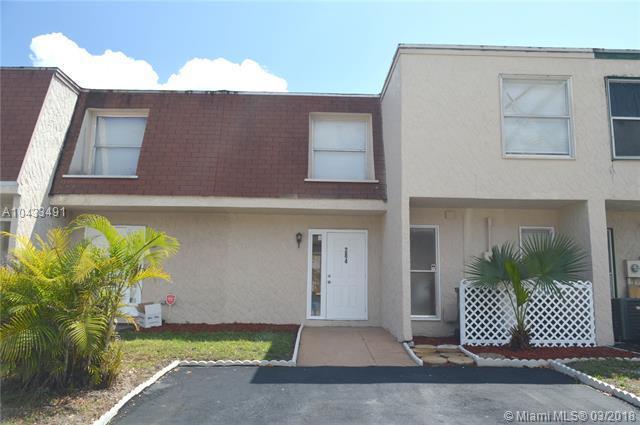 284 Sunshine Dr #1, Coconut Creek, FL 33066 (MLS #A10433491) :: Melissa Miller Group