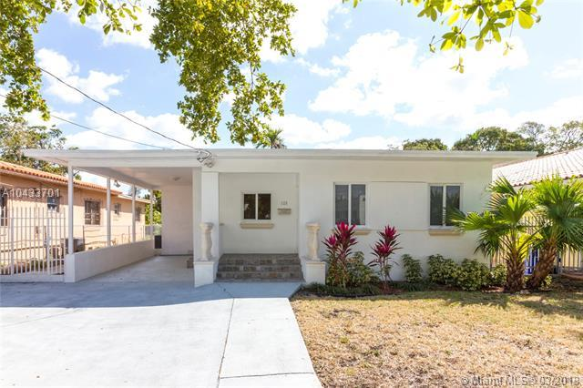 125 NW 25th Ave, Miami, FL 33125 (MLS #A10433701) :: The Teri Arbogast Team at Keller Williams Partners SW