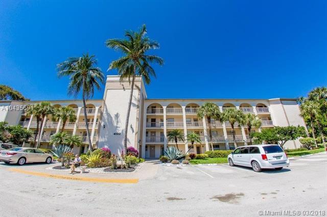 4502 Martinique Way G1, Coconut Creek, FL 33066 (MLS #A10435691) :: Melissa Miller Group