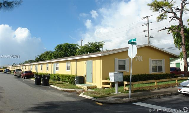 701 South G Street, Lake Worth, FL 33460 (MLS #A10435789) :: Stanley Rosen Group