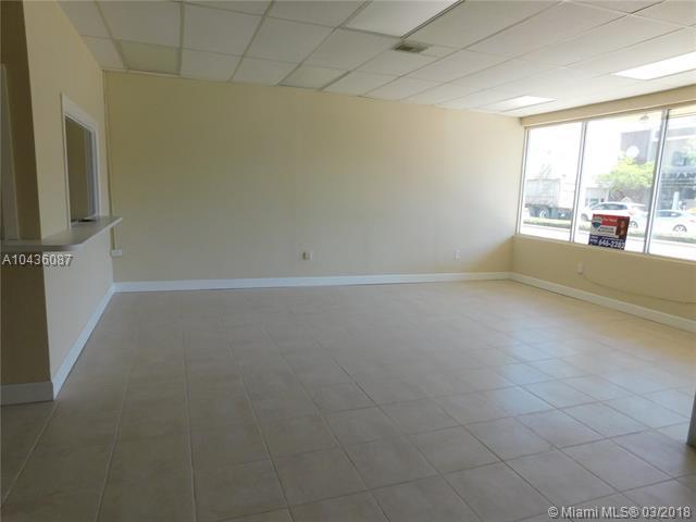 2313 E Atlantic Blvd, Pompano Beach, FL 33062 (MLS #A10436087) :: Green Realty Properties