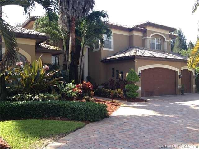 10000 S Lake Vista Cir, Davie, FL 33328 (MLS #A10436134) :: Melissa Miller Group