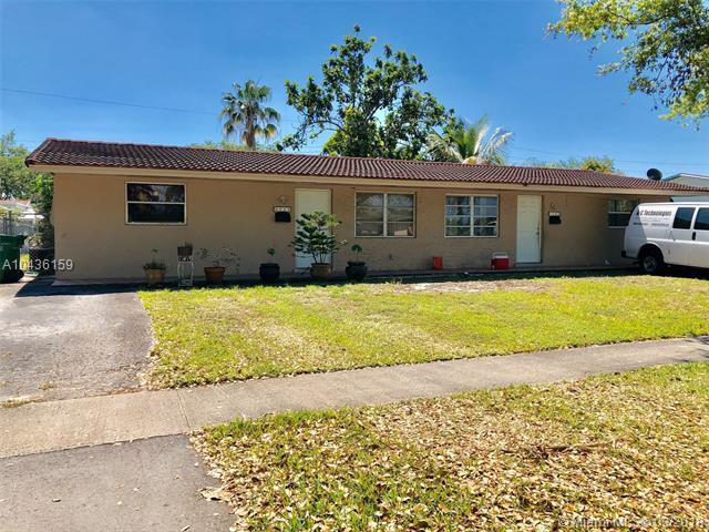 9422 SW 51st St, Cooper City, FL 33328 (MLS #A10436159) :: RE/MAX Presidential Real Estate Group