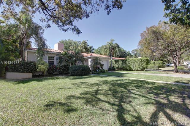 718 Palermo Ave, Coral Gables, FL 33134 (MLS #A10436188) :: The Jack Coden Group