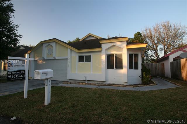 1008 W Jasmine Lane, North Lauderdale, FL 33068 (MLS #A10436587) :: Stanley Rosen Group