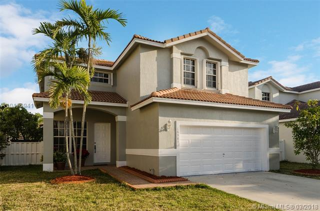 16383 NW 19th St, Pembroke Pines, FL 33028 (MLS #A10436941) :: Melissa Miller Group