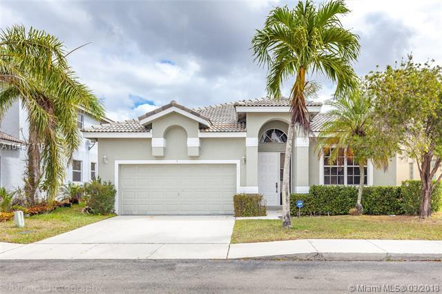 1771 NW 162nd Ave, Pembroke Pines, FL 33028 (MLS #A10437118) :: Melissa Miller Group