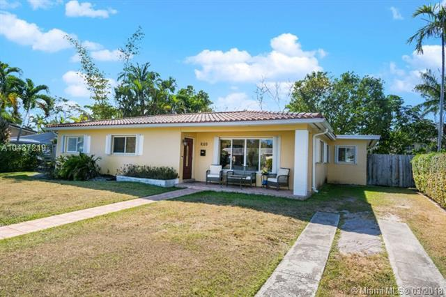 8320 SW 63rd Pl, Miami, FL 33143 (MLS #A10437219) :: The Erice Group