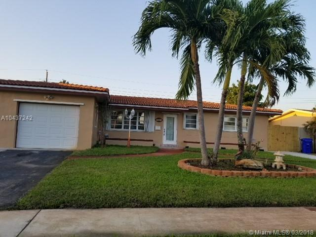 7701 NW 8th St, Pembroke Pines, FL 33024 (MLS #A10437242) :: Melissa Miller Group