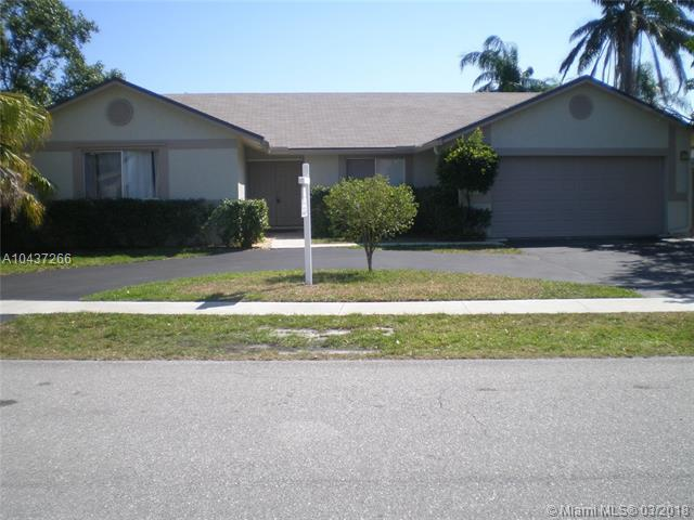 8300 SW 28th St, Davie, FL 33328 (MLS #A10437266) :: RE/MAX Presidential Real Estate Group