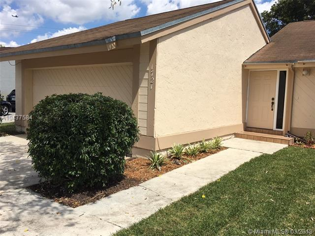1721 SW 86th Ave, Miramar, FL 33025 (MLS #A10437584) :: RE/MAX Presidential Real Estate Group