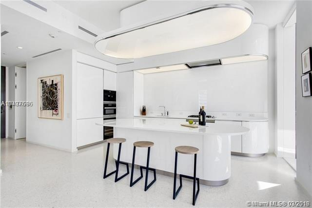 3315 Collins Ave 7D, Miami Beach, FL 33140 (MLS #A10437696) :: The Erice Group