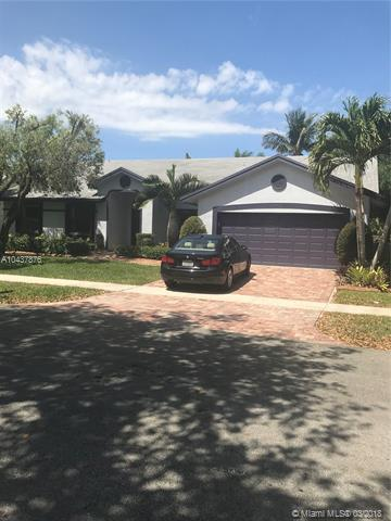 9821 Dunhill Dr, Miramar, FL 33025 (MLS #A10437876) :: RE/MAX Presidential Real Estate Group