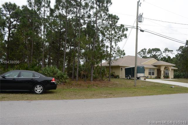 5867 Carovel Ave, Port St. Lucie, FL 34986 (MLS #A10438056) :: Green Realty Properties