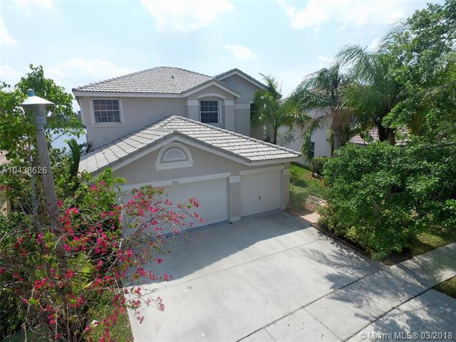 18116 SW 29th St, Miramar, FL 33029 (MLS #A10438626) :: RE/MAX Presidential Real Estate Group
