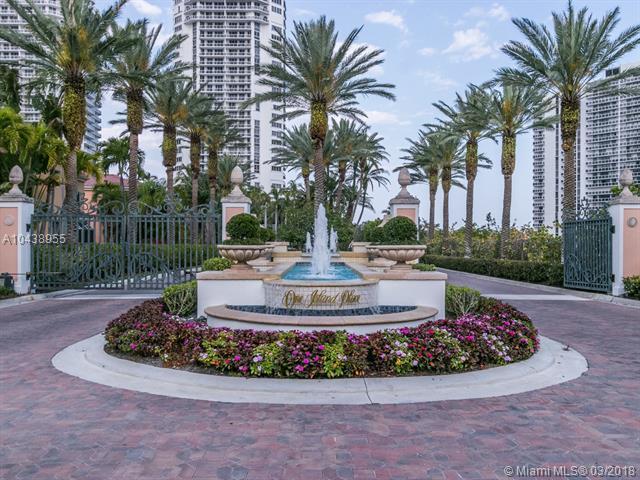 3801 NE 207th St #1004, Aventura, FL 33180 (MLS #A10438955) :: Stanley Rosen Group