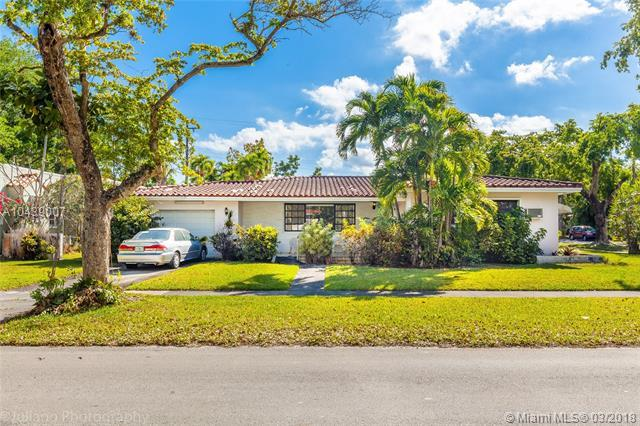 1315 Ferdinand St, Coral Gables, FL 33134 (MLS #A10439007) :: The Jack Coden Group