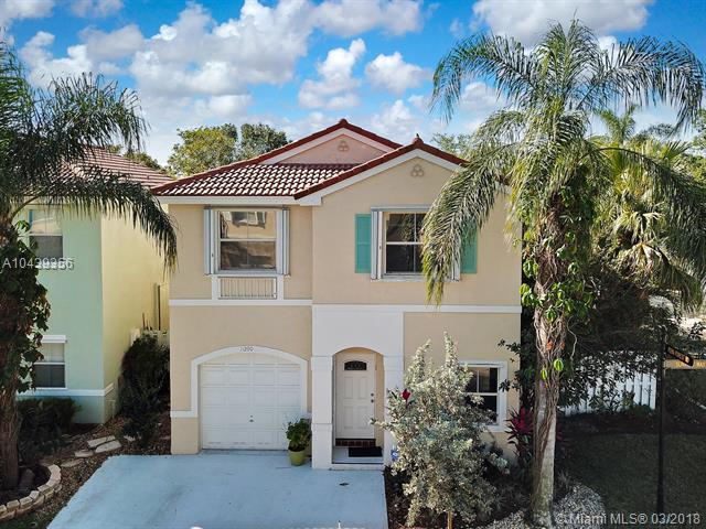 11290 Sunview Way, Cooper City, FL 33026 (MLS #A10439356) :: RE/MAX Presidential Real Estate Group