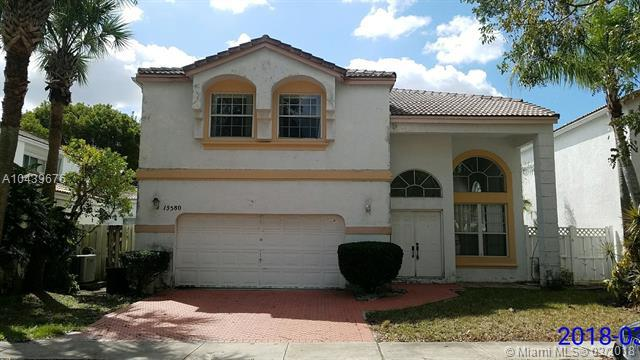 15580 NW 5th St, Pembroke Pines, FL 33028 (MLS #A10439676) :: RE/MAX Presidential Real Estate Group