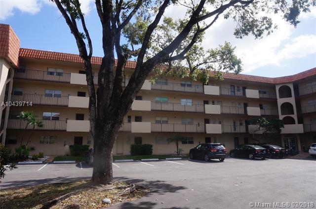 6300 S Falls Cir Dr #313, Lauderhill, FL 33319 (MLS #A10439714) :: Green Realty Properties