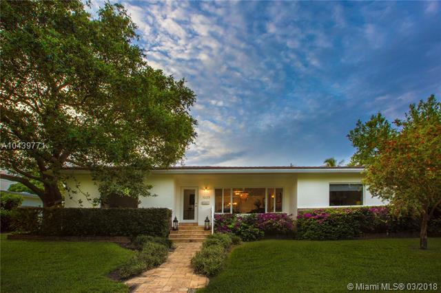 1223 NE 102nd St, Miami Shores, FL 33138 (MLS #A10439771) :: Live Work Play Miami Group