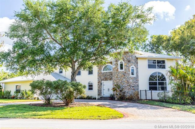 19810 Riverside Dr, Tequesta, FL 33469 (MLS #A10440097) :: Stanley Rosen Group