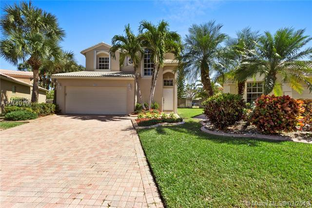 1209 NW 170th Ave, Pembroke Pines, FL 33028 (MLS #A10440106) :: RE/MAX Presidential Real Estate Group
